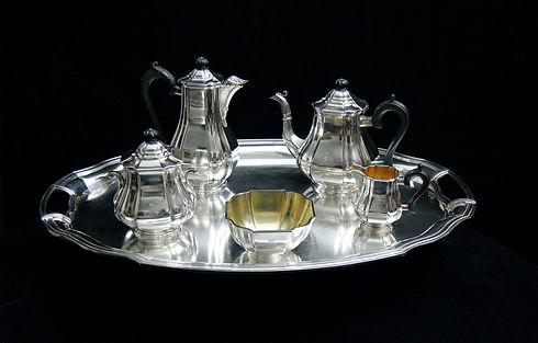 sterling-silver-flatware-1747104_1920.jp