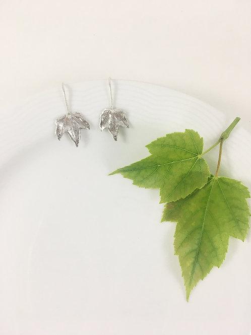 silver maple leaf earrings, leaf jewelry, nature jewelry, handcrafted earrings, handmade jewelry, silver earrings