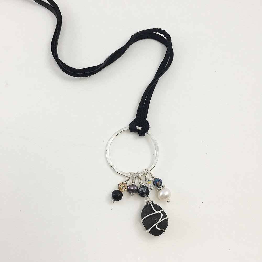 Pebble pendant, gemstone pendant, boho jewelry