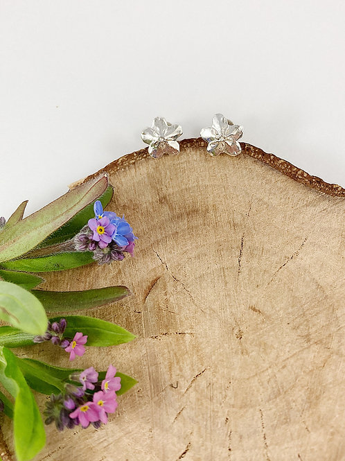 silver forget me not stud earrings, PMC jewelry, botanical jewelry, flower stud earrings, silver jewelry, nature jewellery
