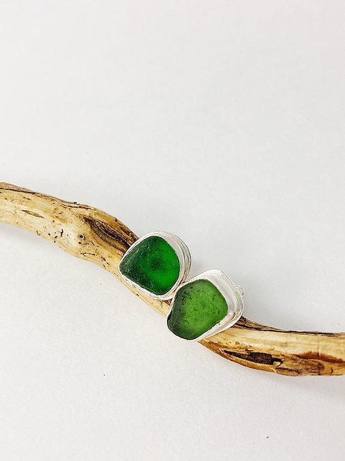 Kelly green sea glass stud earrings, sea glass jewelry, sea glass earrings, beach wedding jewelry, bezel set earrings