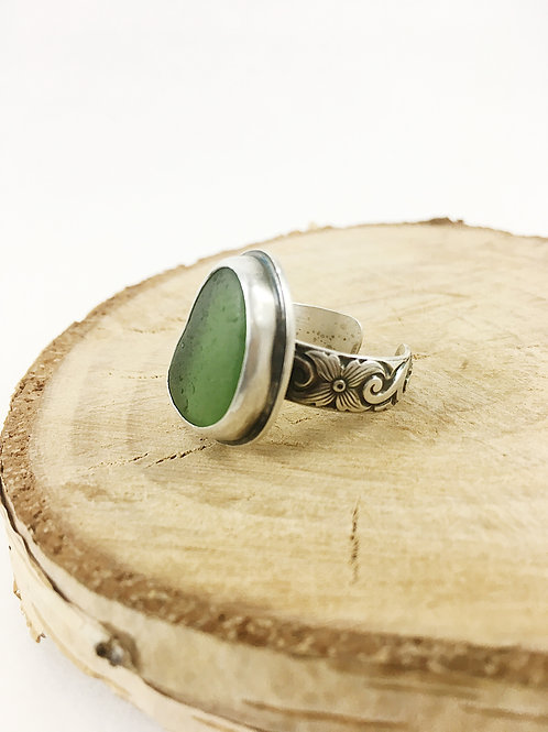 green sea glass ring adjustable, sea glass jewelry, sea glass jewellery, bespoke jewelry, handcrafted silver ring