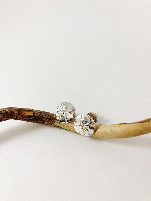 Sand dollar silver stud earrings, silver shell earrings, nature jewelry, beach jewelry, mermaid jewelry, PMC jewelry
