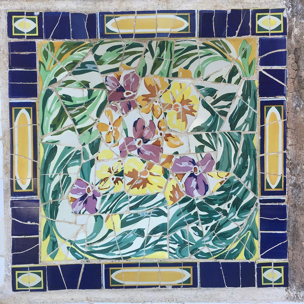 mosaic details at Park Güell