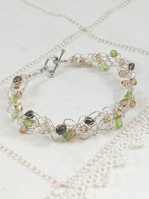 freshwater pearl jewelry, birthstone jewelry, peridot gemstone bracelet, Swarovski jewelry, Swarovski bracelet.