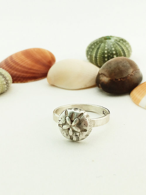 silver sand dollar ring, silver jewelry, silver jewelry, hand crafted silver ring, handmade silver jewelry