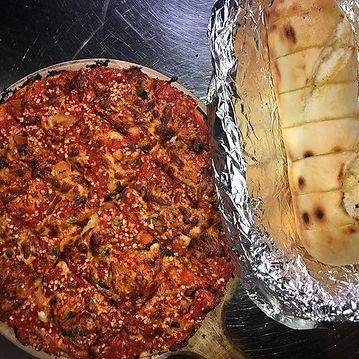 Our garlic pizza and garlic bread perfec