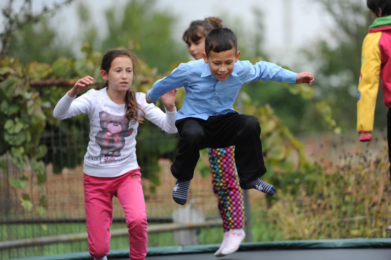 Copiii se distrează la Talita Kum