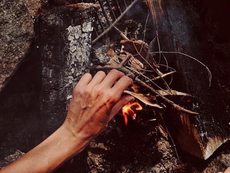Comment partir un feu : quelques conseils faciles et pratiques