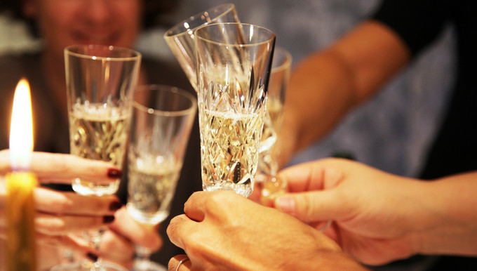 New Year's Eve cocktail party Etiquette tips