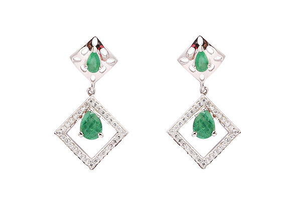 Emerald Earrings in 925 Silver