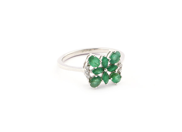 Emerald Cluster Ring in 925 Silver