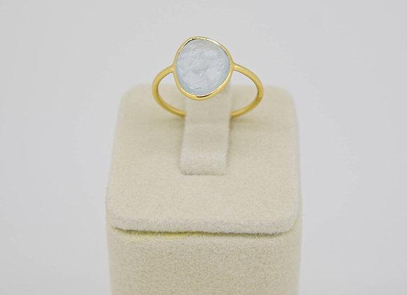 Elegant Aquamarine Ring in 18K Gold