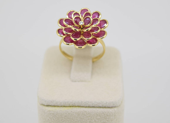 Elegant 25-setting Ruby Ring in 18K Gold