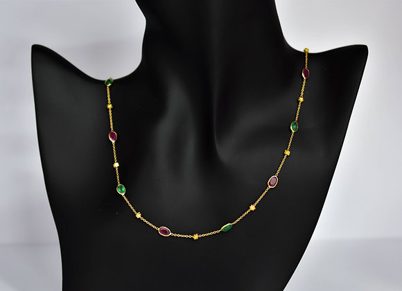 Bezel Chain with Emerald and Ruby with textured motifs in 18K Gold