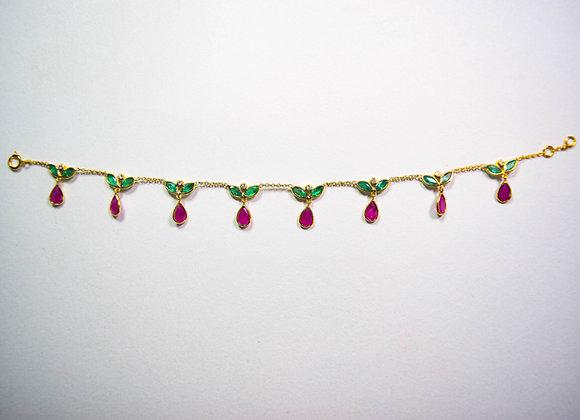 Indian Drop Pattern Bracelet with Diamond in 18K Gold