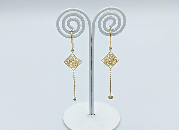 Single Diamond Dangle Gold Motif Earring