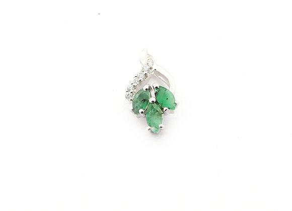 Tri-Emerald Pendant in 925 Silver