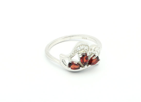 Royal Garnet Ring in 925 Silver with CZ