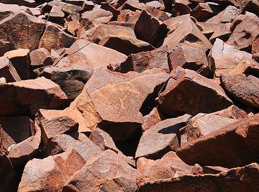 boulders-728391_1920.jpg