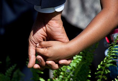 holding hands_obama.jpg