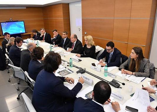 La Delegazone di ANCE con il Presidenedell Repubblicad Armenia