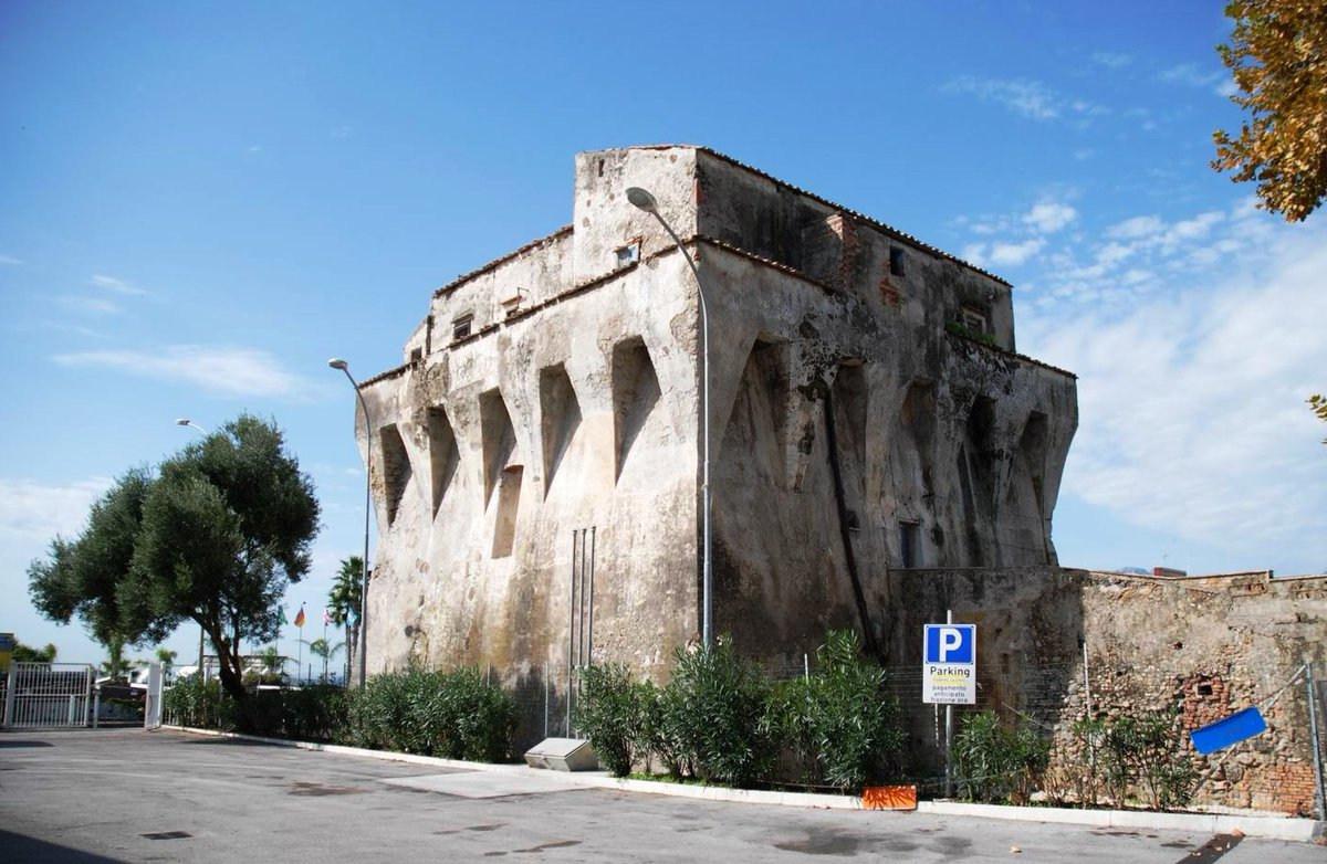 Rifunzionalizzazione della Torre Angellara a Salerno
