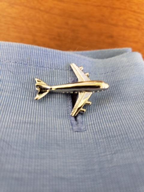 Airplane cufflink