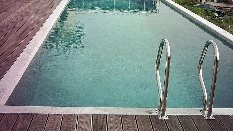 kaufen sie ein betonbecken wenn sie einen pool bauen m chten. Black Bedroom Furniture Sets. Home Design Ideas