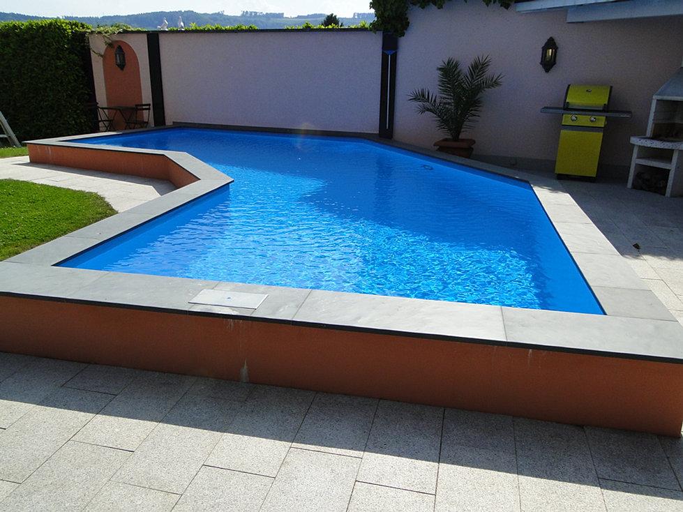 Kaufen sie ein betonbecken wenn sie einen pool bauen m chten for Folienauskleidung pool