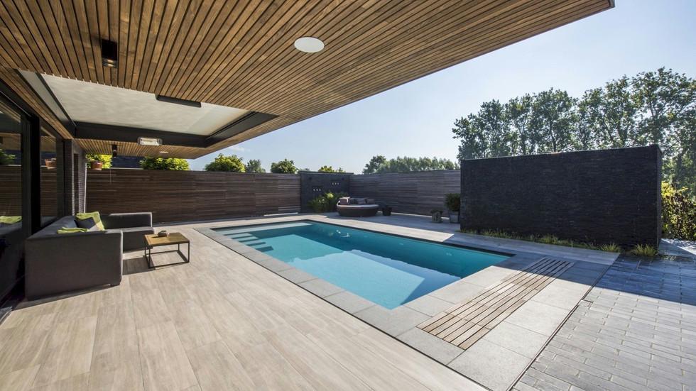 LPW Pool einfach nur elegant.jpg