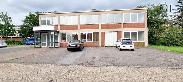 Einmalige Gelegenheit! Gewerbeimmobilie mit ausreichend Büro- und Lagerfläche in guter Lage von Krefeld-Fischeln