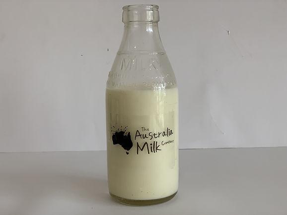 thumbnail_Fresh Organic Milk bottle.jpg
