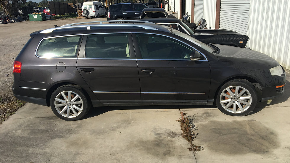 2010 Volkswagen Passat stw, blown engine, project