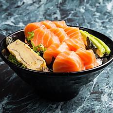 צ'יראשי סלמון - Chirashi Salmon