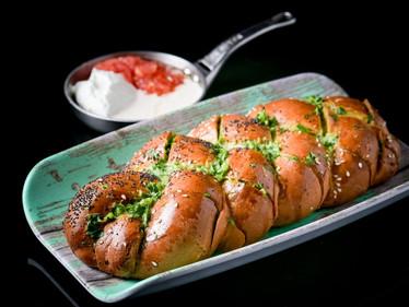 לחם שום.jpg