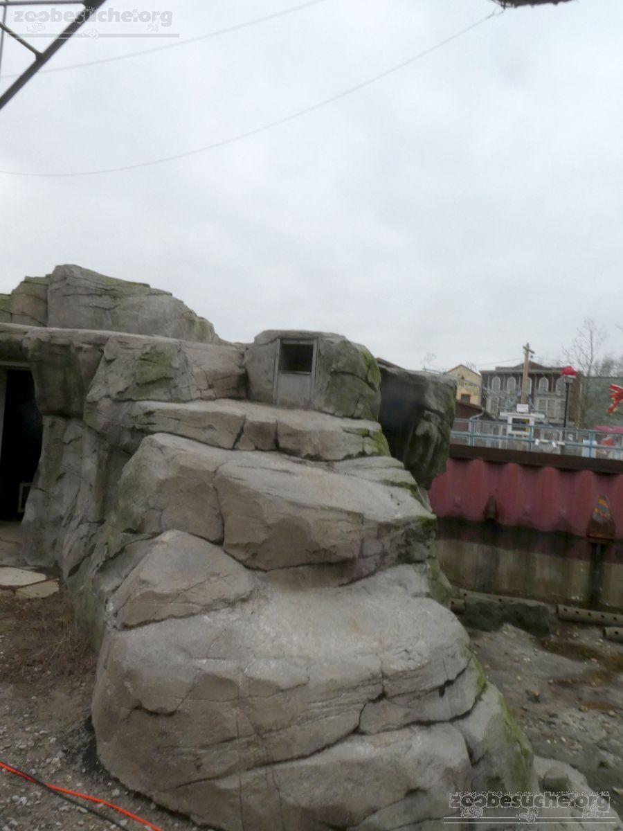 Eisbärenanlage Felsen