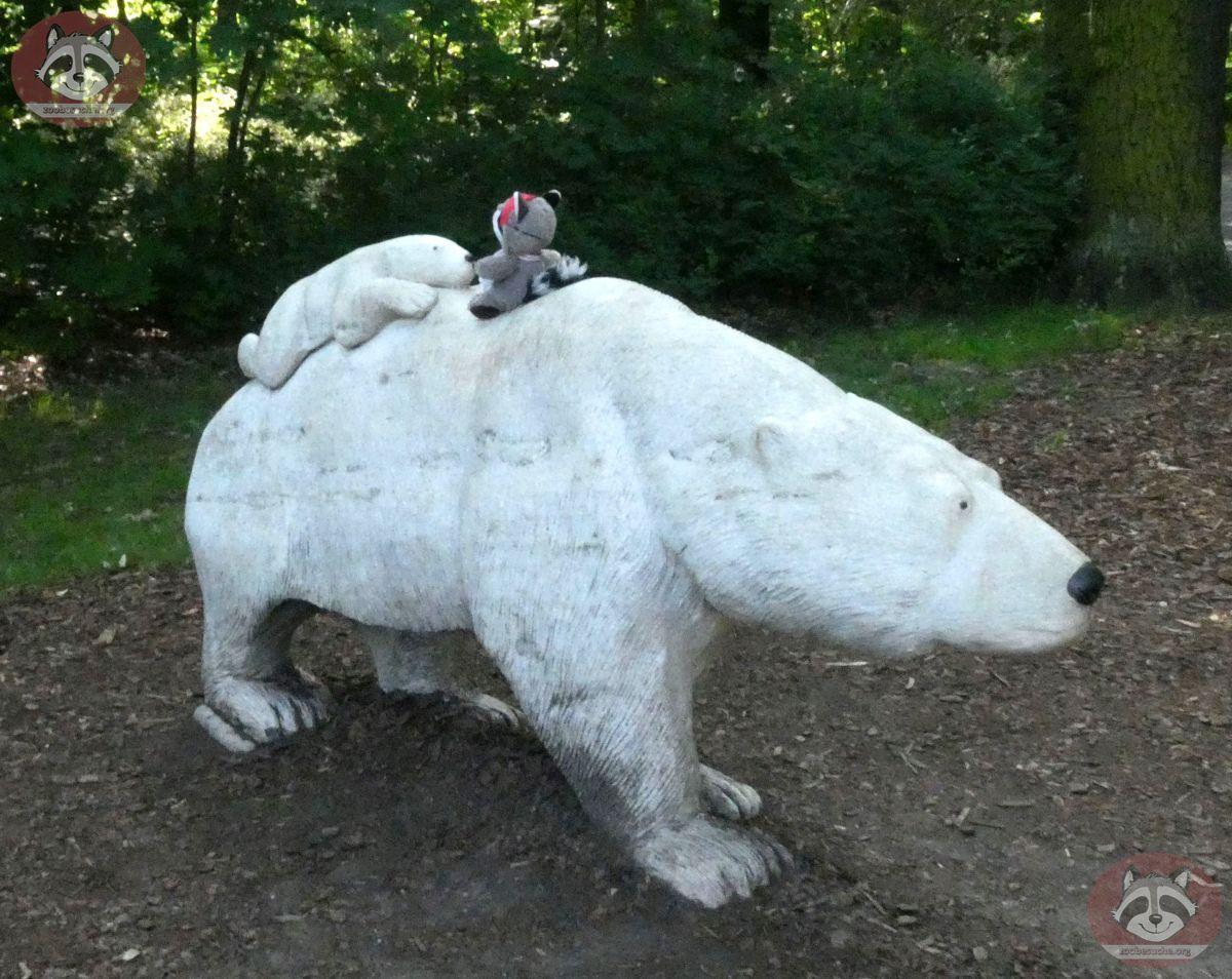 wuschel_auf_Eisbär__(1)