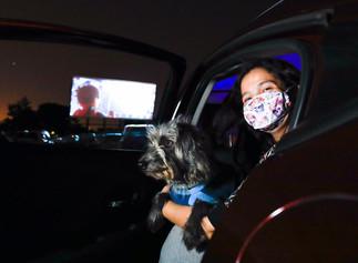Já se imaginou em uma sessão de cinema, onde seu carro é sua sala de cinema?