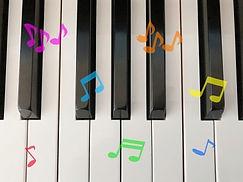 ピアノver.+ピアノ楽譜。幼稚園・保育園・こども園。園歌とテーマソングの制作会社 モキュート。