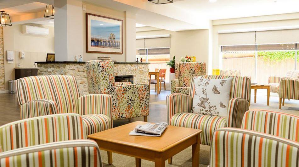 Banksia Lounge 3.jpg