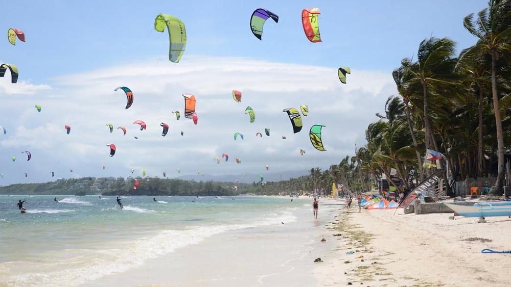 Kitesurf crowd boracay