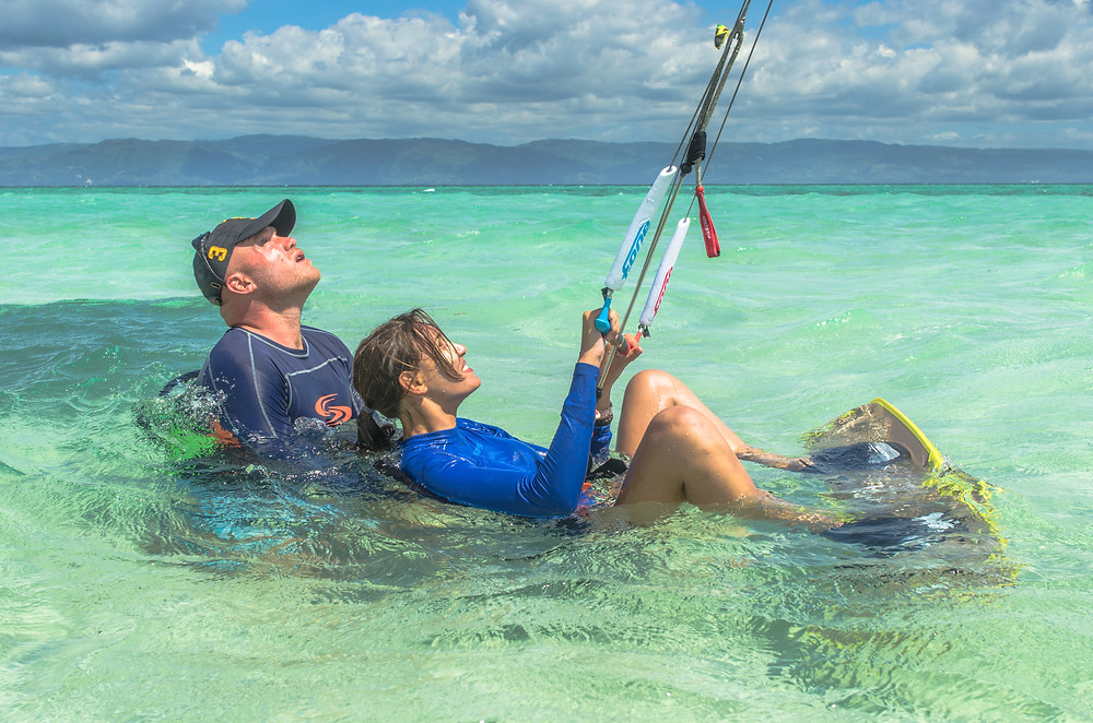 You can learn kitesurfing alone, but it's easier with an instructor!