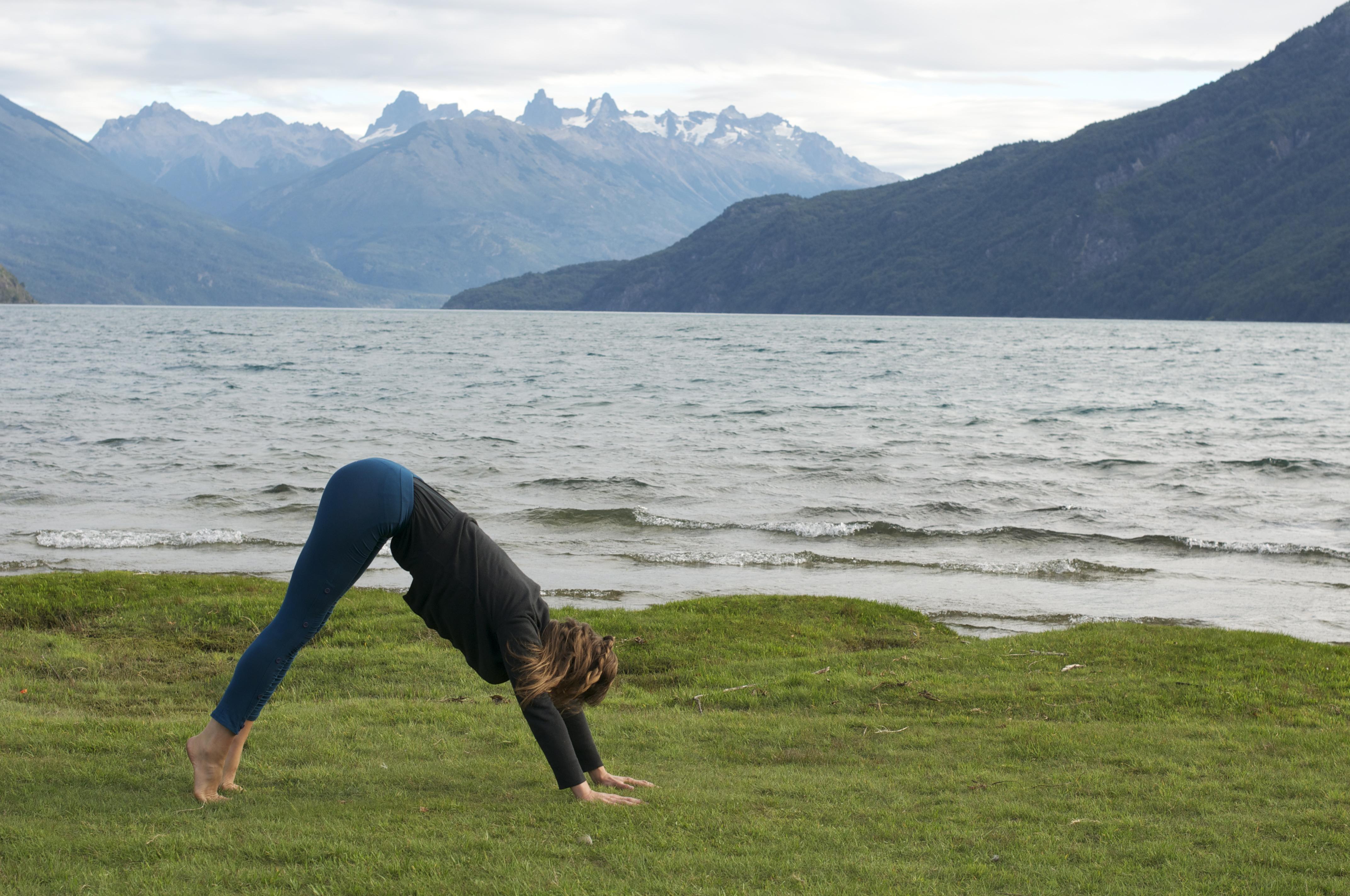 2012_03_13+Chloe++Yoga+Lago+Puelo+(69)+2.jpg