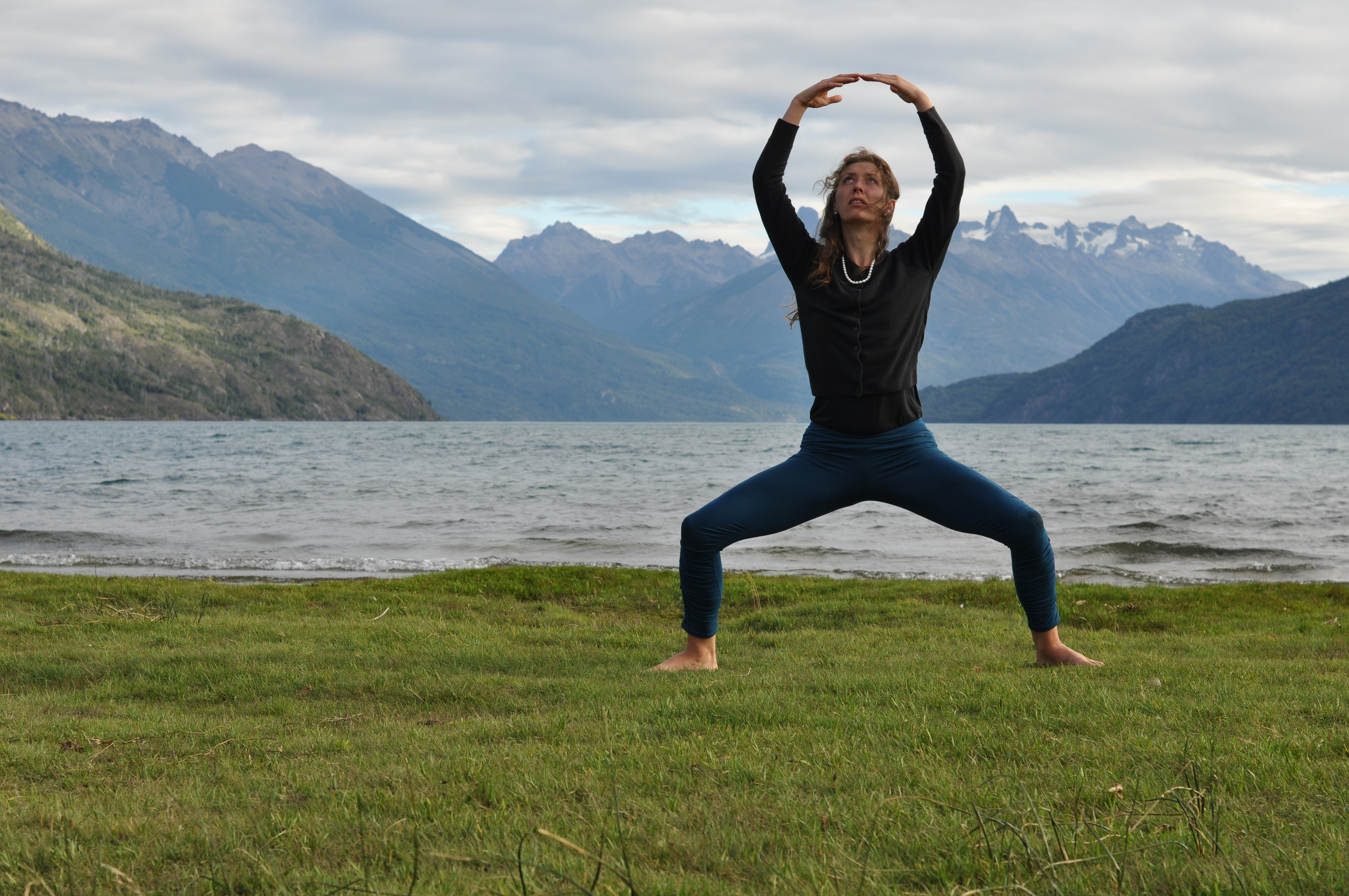 2012_03_13+Chloe++Yoga+Lago+Puelo+(80).JPG