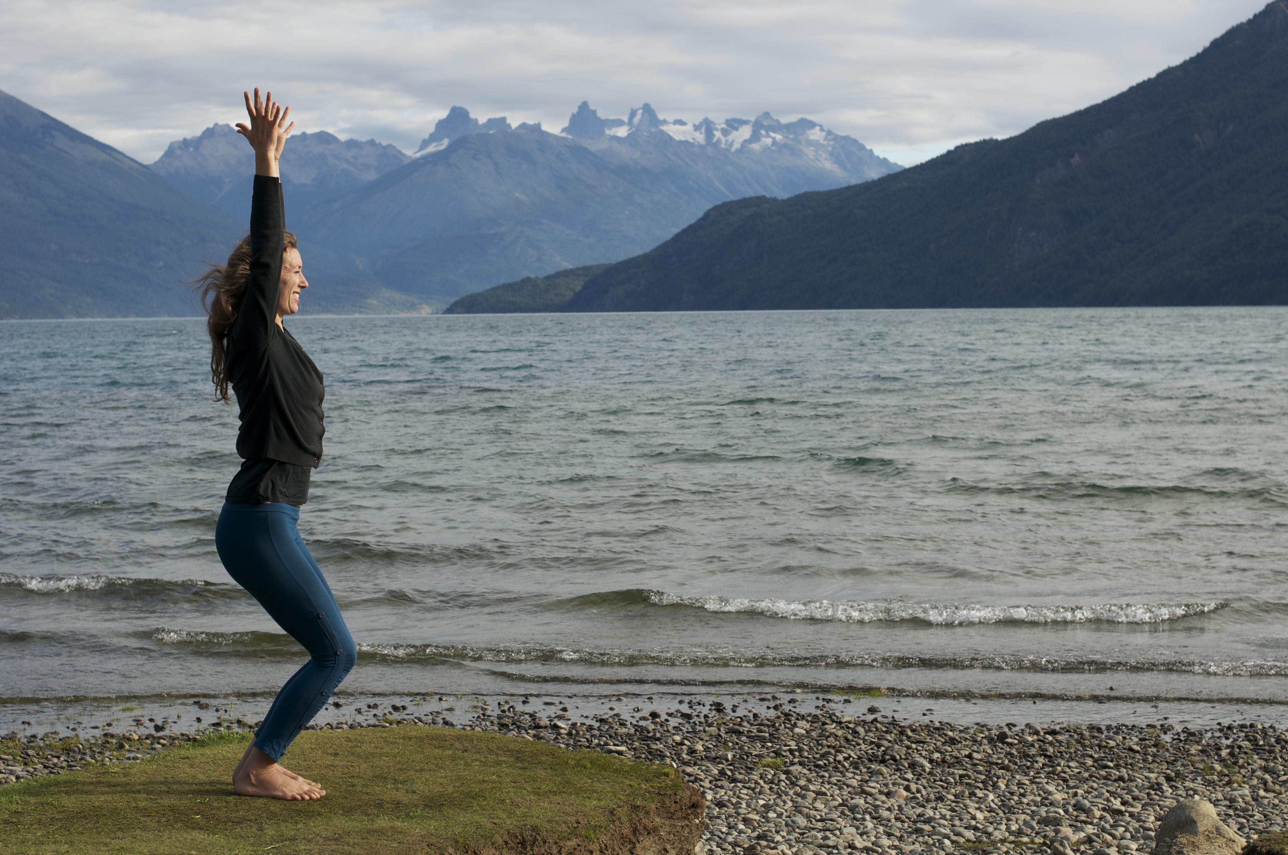 2012_03_13+Chloe++Yoga+Lago+Puelo+(12).jpg