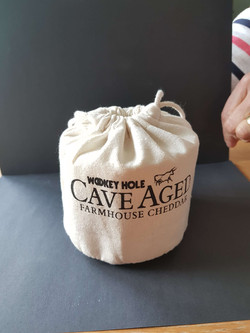 cave Aged Cheese - Linen Pouch