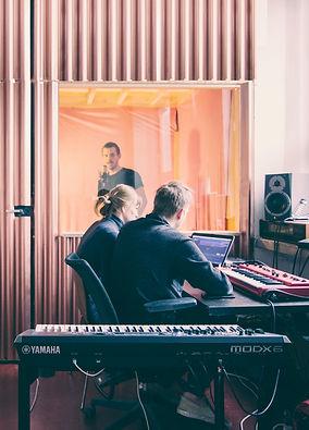 studio_o-nas900px.jpg