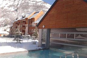 Profitez d'un accès gratuit à notre espace bien-être avec piscine, jacuzzi, sauna, hammam !