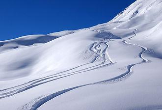Ski_Pyrénées_Val-de-Roland.jpg